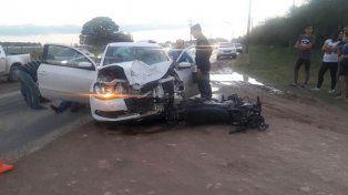Un motociclista fue hospitalizado tras chocar con un auto en la ruta provincial 26