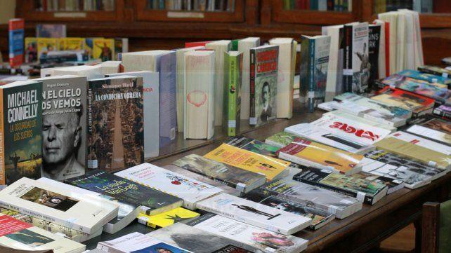 Se realizará una feria de libros y rosas en Paraná
