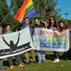 Organizadores. Llegaron a Paraná familias igualitarias de diversas ciudades entrerrianas.