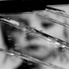 Acusan a un padre de violar reiteradamente a su hija de dos años y retransmitirlo en internet