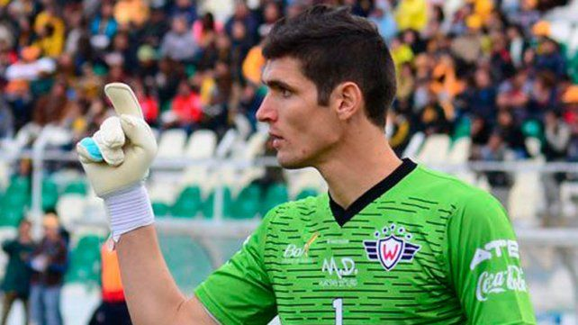 El argentino Matías Dituro convirtió un gol de arco a arco en Bolivia