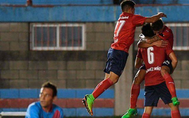 Independiente ganó y sigue en zona de copa