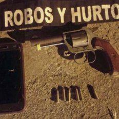 En venta. Lo detuvieron con el revólver que ofrecía y un celular.