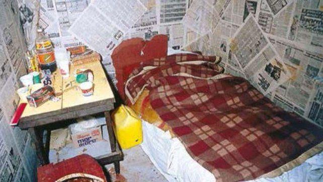 El cuartucho de dos metros por dos y el camastro donde tuvieron encadenada a Nélida Bollini de Prado durante 32 días