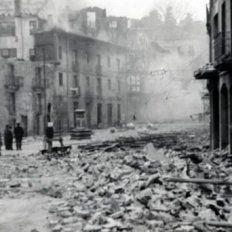 Una imagen de Gernika luego del bombardeo que realizó la Legión Cóndor de la aviación alemana.