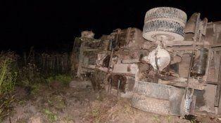 Dos camiones chocaron de frente en la ruta nacional 18
