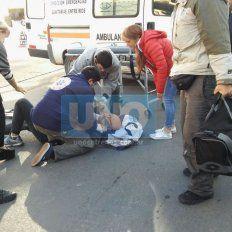 Hospitalizado tras ser chocado por una camioneta