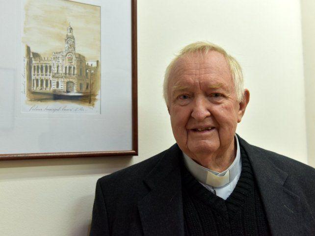 El padre Patterson fue declarado Ciudadano Ilustre de Paraná