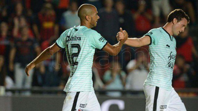 Colón, en puestos de Copa Sudamericana, visita a Sarmiento