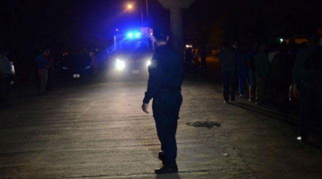 Asesinaron a una mujer y encontraron a su hija de 4 años llorando al lado del cuerpo