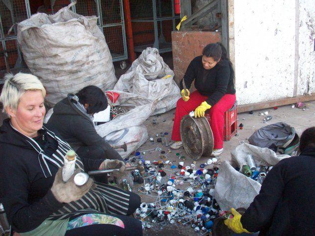 Buena onda de una comunidad para combatir la basura de raíz