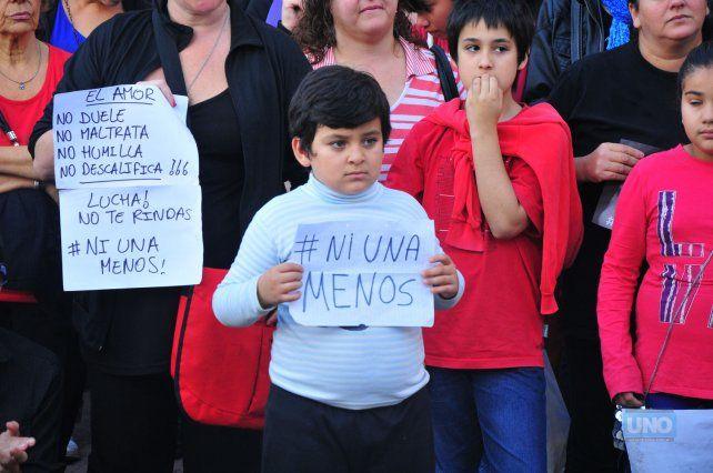 Esta imagen fue lograda por el fotógrafo de UNO Juan Manuel Hernández en una marcha que se realizó en Paraná el 3 de junio de 2015.