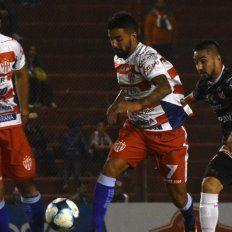 La Gloria dejó sin nada a Atlético Paraná que se hunde en el descenso