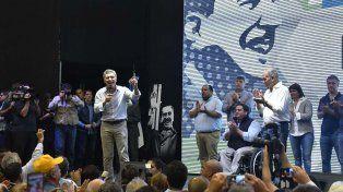 Macri en el acto por el Día Internacional de los Trabajadores junto al dirigente sindical Venegas.