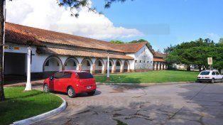 La Escuela Nº 1 Doctor César Blas Pérez Colman está en el Complejo Educativo Escuela Hogar Eva Perón de Paraná.