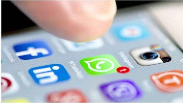 Aparecieron los memes por la caída de WhatsApp