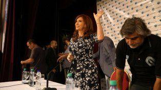 La expresidenta llegó a Sadop para reunirse con representantes sindicales.