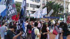 parana se sumo al repudio nacional al 2x1 a los represores