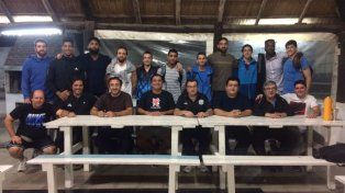 La dirigencia del AEC reunió el miércoles por la noche a jugadores y cuerpo técnico en una cena.