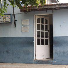 Un hombre cayó herido detrás de la Comisaría de Paraná XVI.