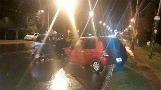 Violento choque entre dos autos dejó a siete personas heridas