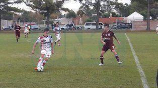 Dalmiro Dettler anotó el segundo gol y cumplió una buena labor.
