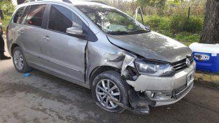 El colectivero logró esquivar el auto para evitar un choque frontal.