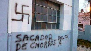 Discriminación. No se pudo determinar quién pintó las paredes.