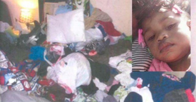 Una beba reportaba desaparecida fue hallada bajo la basura acumulada en su casa