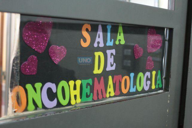 La sala tiene 11 camas y hoy están ocupadas ocho de ellas. Foto UNO Juan Ignacio Pereira.
