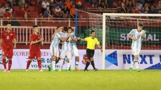 La Sub 20 goleó a Vietnam en su primer amistoso