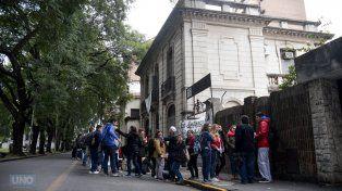 En la calle. FotoUNOMateo Oviedo.