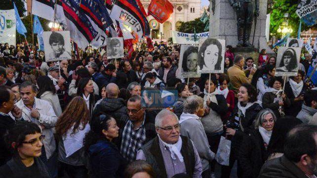 Marcha en Paraná contra el 2x1
