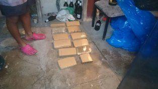 Realizaban allanamientos por robo y encontraron 12 panes de marihuana