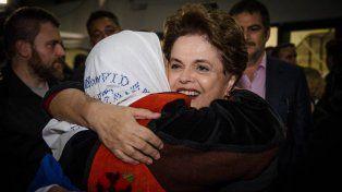 Abrazo. Foto prensa Madres.
