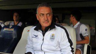 Alfaro renunció como técnico de Gimnasia