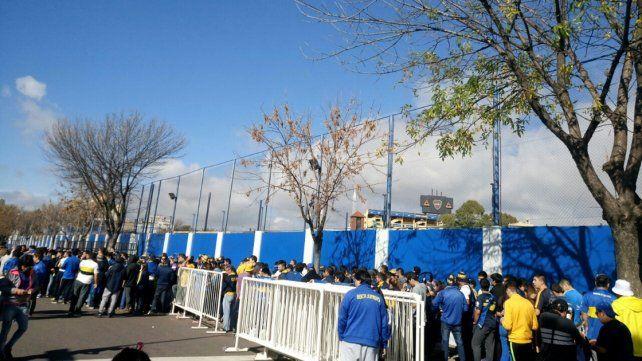 Explota La Bombonera: la reventa de entradas ronda en los 6000 pesos
