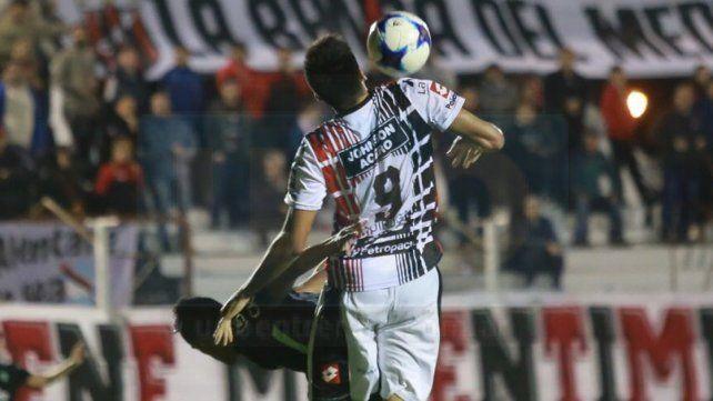 Patronato no pudo cerrar el partido y empató ante Sarmiento
