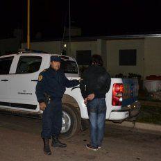 Ingresó a robar en una vivienda pero el dueño de casa lo inmovilizó y llamó a la policía