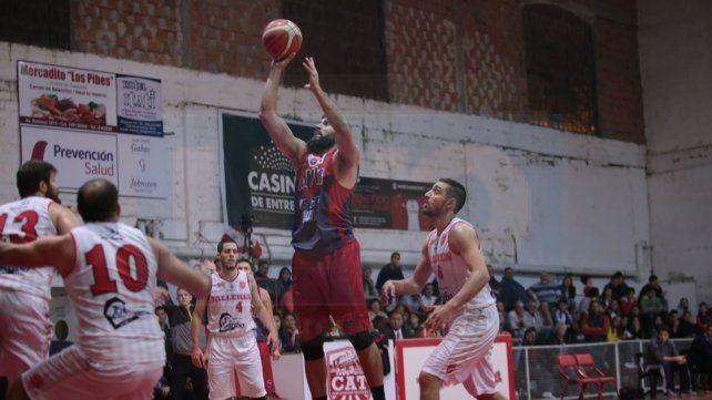 Andrés Horts fue una de las figuras de la visita. Anotó 16 puntos.