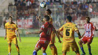 Atlético Paraná volvió a dejar todo y los resultados no se dan