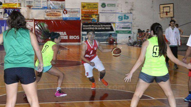 El seleccionado femenino de Paraná espera el debut en el entrerriano