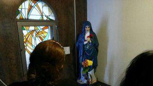 La virgen de Los Dolores ubicada en la capilla del Santísimo de Santa Teresita.