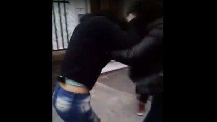 Se conoció un nuevo video de la pelea entre dos adolescentes en Paraná