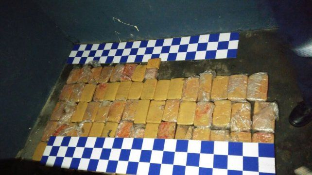 Secuestraron 60 panes de marihuana en la ruta nacional 14