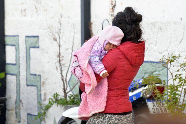 Volvió el frío por lo que hay que cuidar a los niños y a los adultos mayores. Foto UNO Mateo Oviedo.