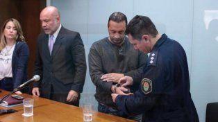 Al penal. El policía fue condenado y llevado rápidamente al penal.