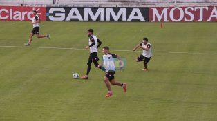 Nicolás Bertocchi –con la pelota–