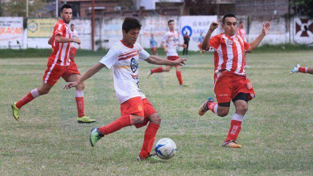 Atlético Paraná viene de vencer a Neuquén y hoy jugará ante la U en otro duelo de interés.