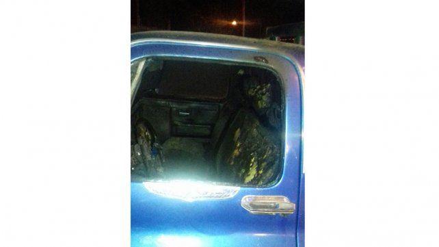 Incendiaron intencionalmente dos auto y una camioneta en Paraná